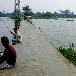 MANCING DI SITU CIPONDONG HIBURAN ASYIK BAGI WARGA